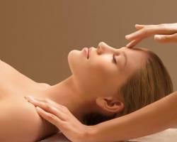 Cách massage đầu giảm căng thẳng