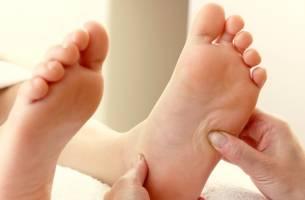 Một số kỹ thuật massage chân